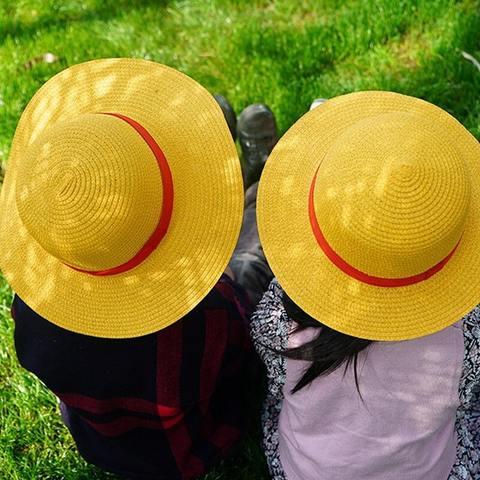 stylish-straw-hat-luffy-one-piece-yellow